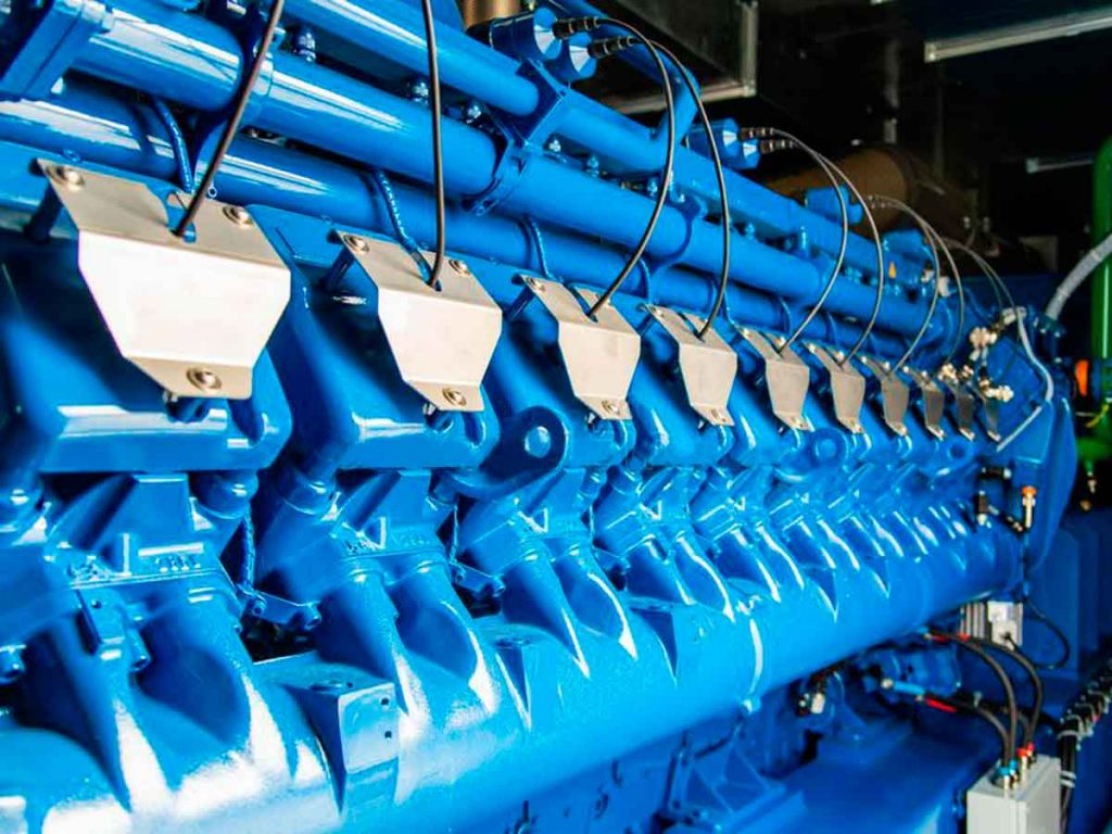 Motor de cogeneración con motor de gas color azul